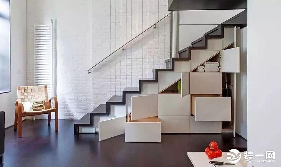 嫌房子收納空間不夠?裝修網教你巧用樓梯下三角空間