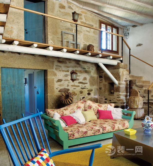 巴塞羅那鄉村農宅翻新裝修 彩色軟裝搭配令人驚艷