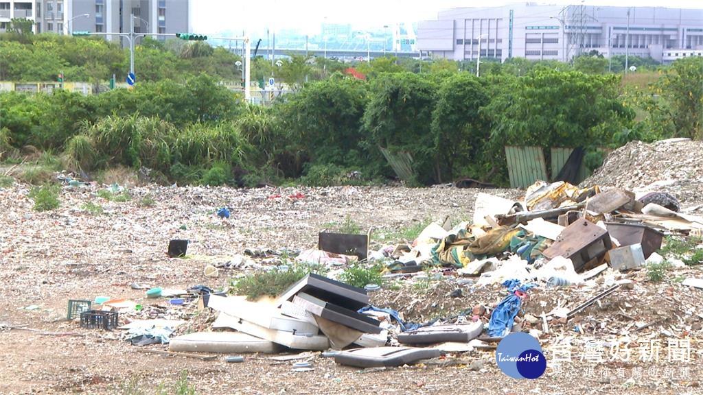 士北科技園區2樓高垃圾山 5月清完大部分
